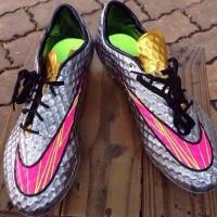 Neymar boots Nike Hypervenom