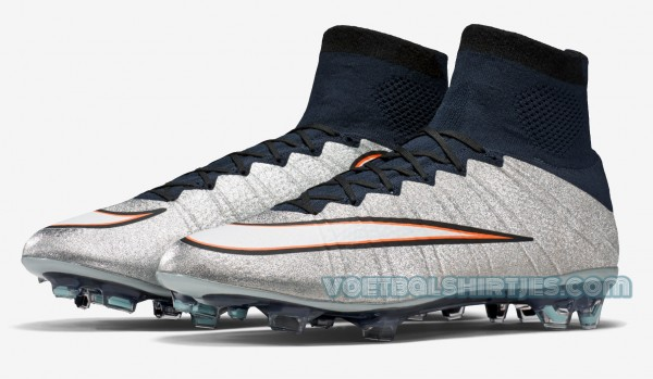 CR7 Mercurial Superfly silver