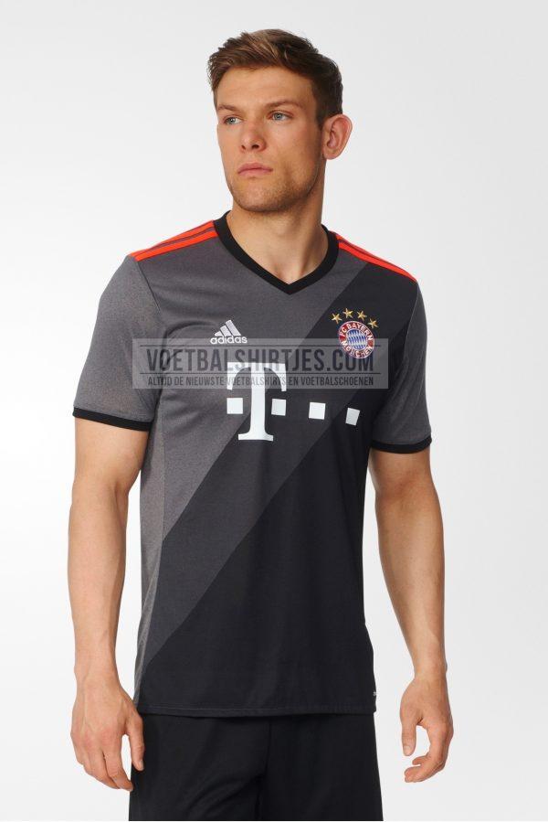 Bayern Munchen auswarts trikot 2017