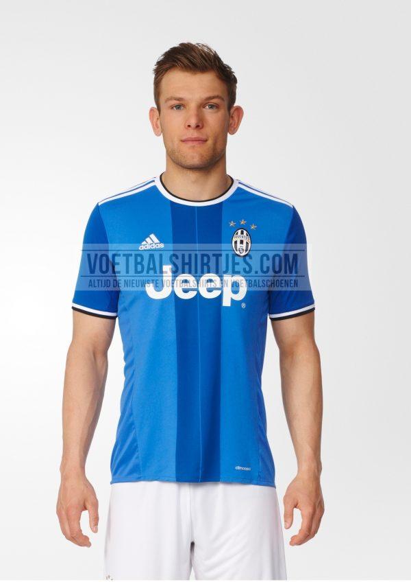 Juventus uit tenue 2017