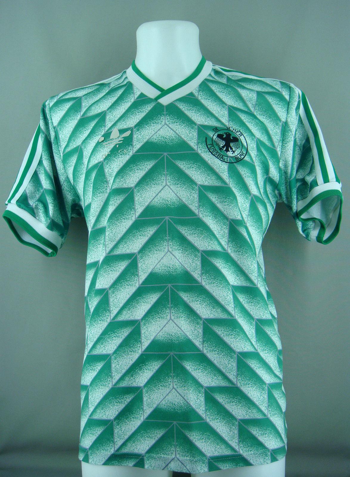 dfb-away-kit-1990