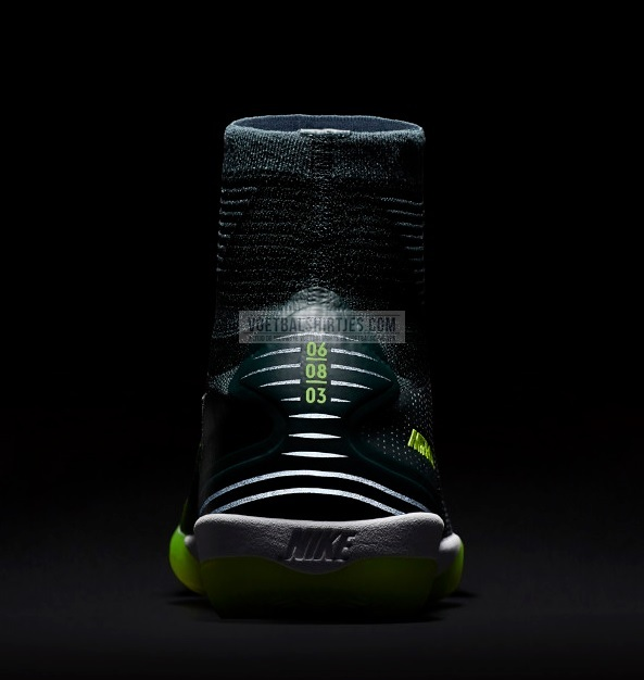 CR7 futsal Mercurial Superfly
