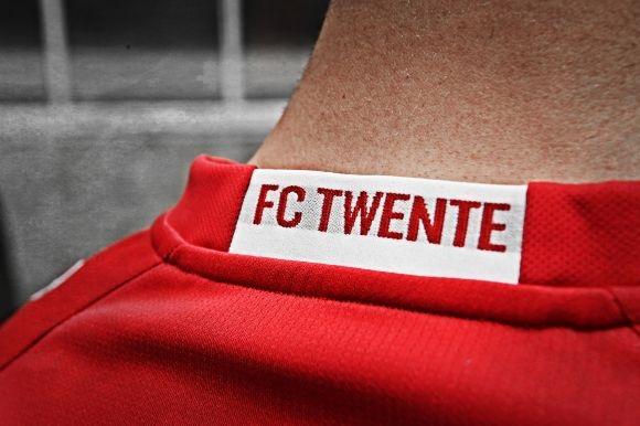 FC Twente thuisshirt 2018 nek