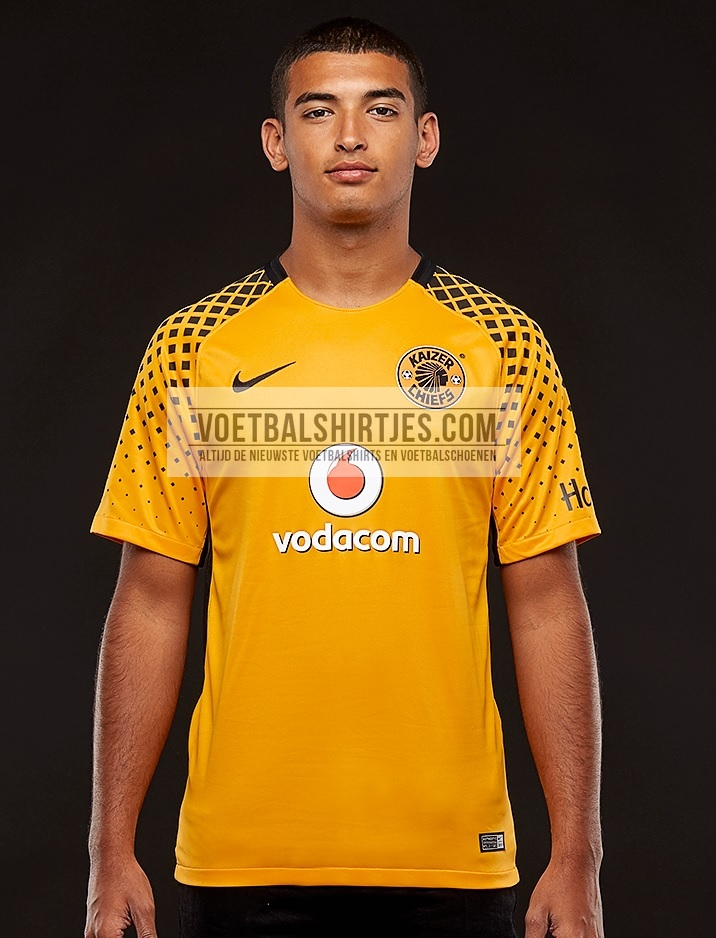 Kaizer Chiefs 17-18 home kit