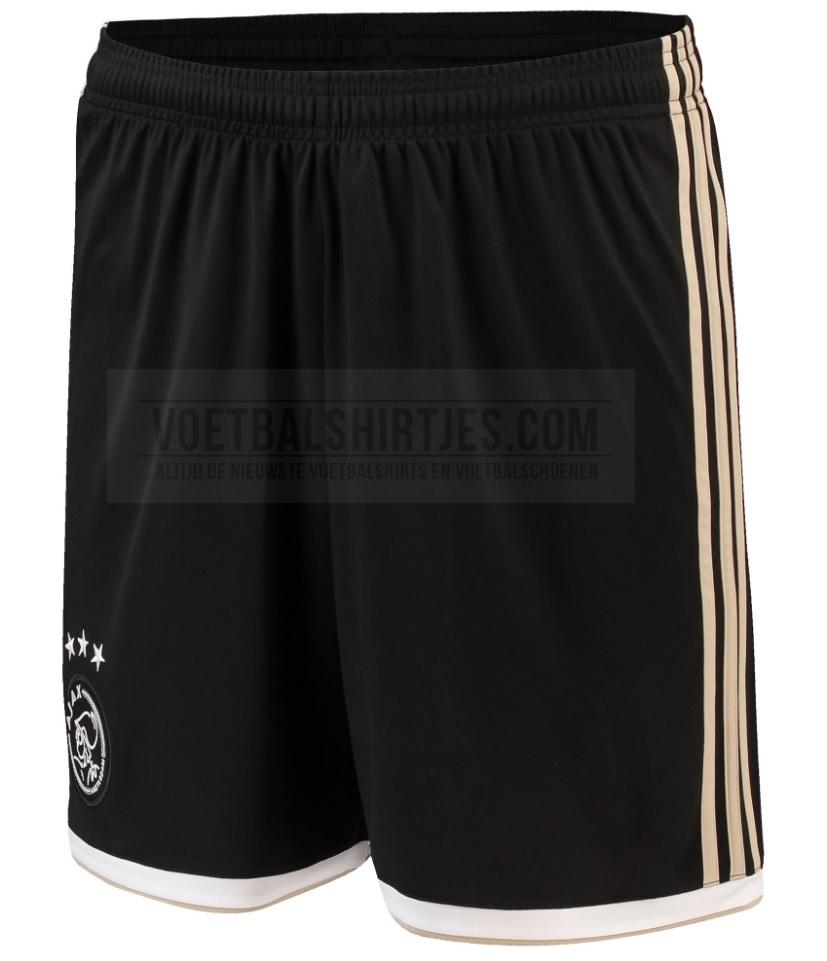 Ajax short uit 18-19